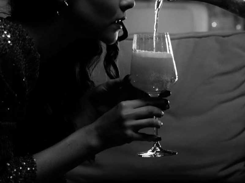 alkoholt-fogyasztó-kamasz-lany-anonima-blogja
